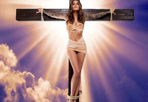 Χλευάζουν και προσβάλλουν τον Κύριο Ημών Ιησού Χριστό, το δεύτερο πρόσωπο της Αγίας Ομοουσίου και Αδιαιρέτου Τριάδος !