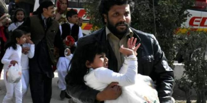 Λουτρό αίματος σε χριστιανική εκκλησία στο Πακιστάν: Το Ισλαμικό Κράτος ανέλαβε την ευθύνη (Video)